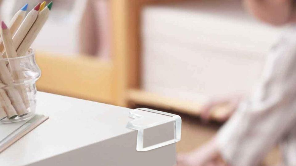 赤ちゃん(乳幼児)の家具の角での怪我を防止するコーナーガード
